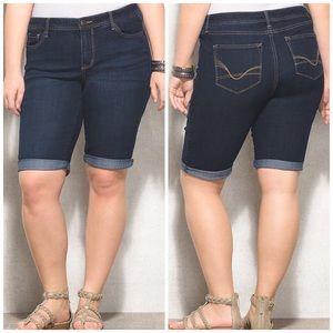 W62 Plus Size Signature Fit Bermuda Denim Shorts
